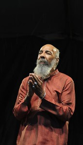 Richie Havens performs on stage at the New Orleans Jazz and Heritage Festiv