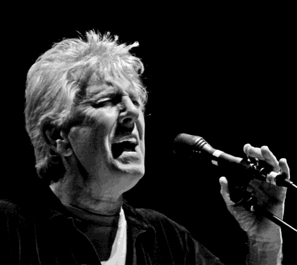 Graham Nash performing Solo, 2010 ( Buzz Person)